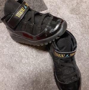 Boys Jumpman Jordan black patent leather sz 10c